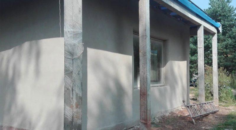 Tynk gliniany – Dom w systemie strawbale – GlinoDom Budownictwo Naturalne